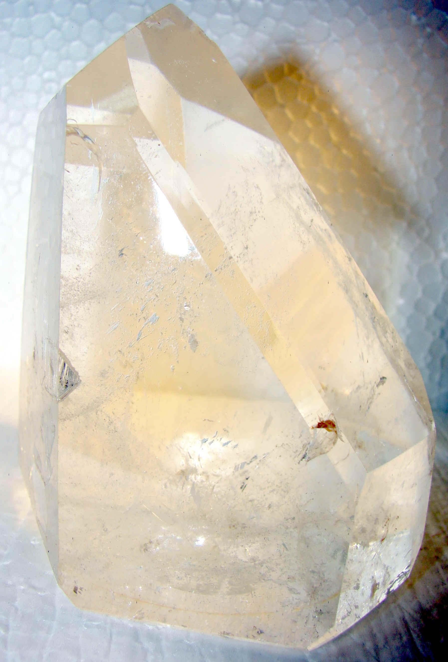 http://www.quartzcrystals.net/nuxl-17.jpg (807370 bytes)