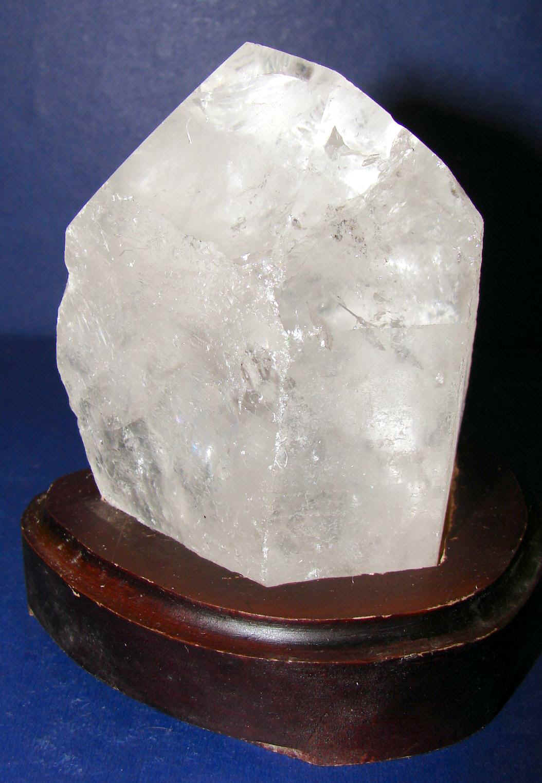 http://www.quartzcrystals.net/woodxl-1.jpg (582341 bytes)